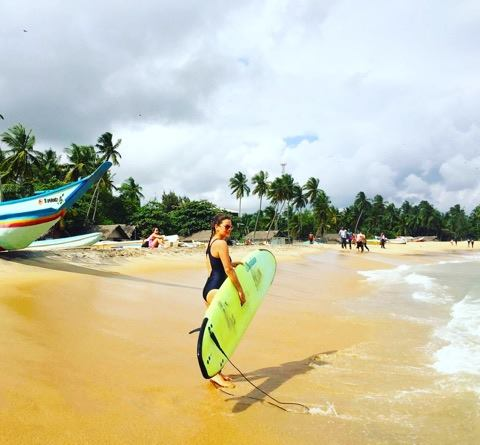 SURFING NA SRI LANCE