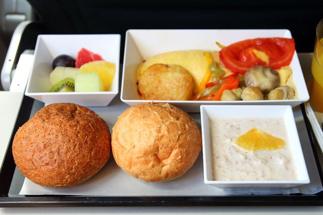 jedzenie w samolocie