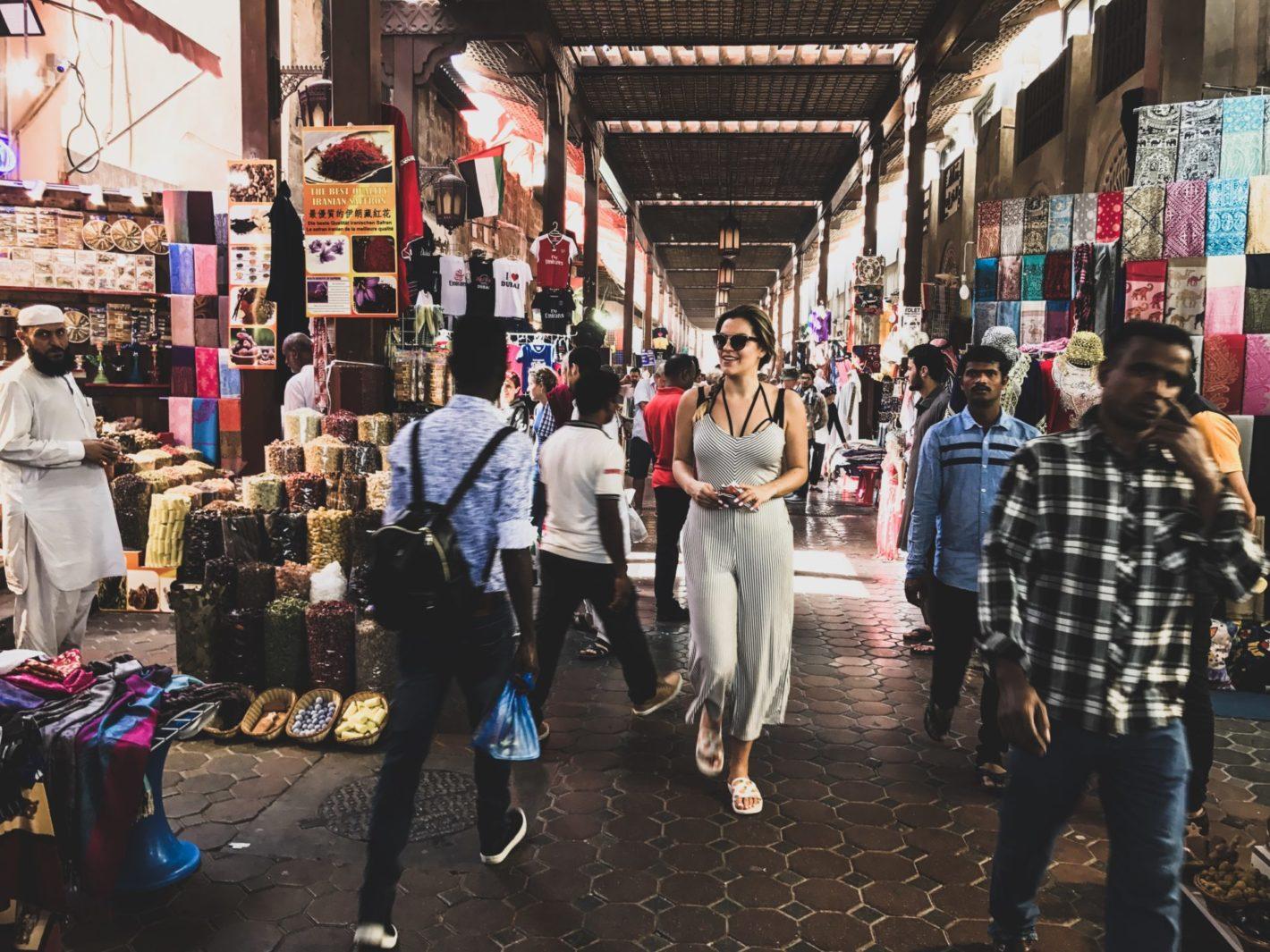 DUBAJ: 12 FAKTÓW, O KTÓRYCH WARTO WIEDZIEĆ PRZED WYJAZDEM