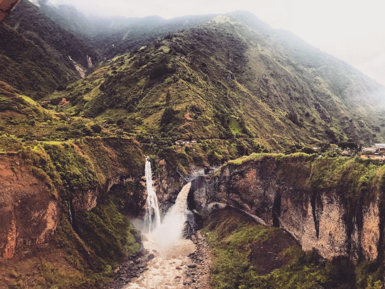 wodospady i wulkany w Banos